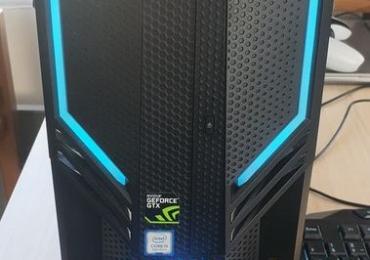 PC gamer Acer + souris et clavier